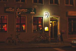 Nuernberg nachts 48682800442 o